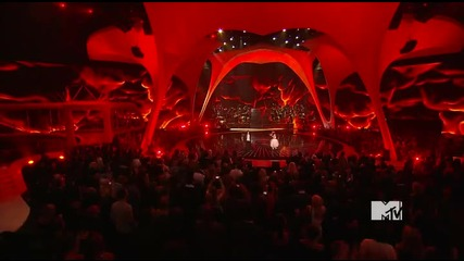 Eminem & Rihanna - Not Afraid + Love The Way You Lie ( Mtv Vma 2010)