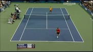Федерер прави феноменален удар