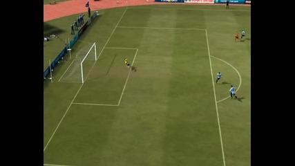 Fifa12 - Фамозен гол на Робин Ван Перси !!!