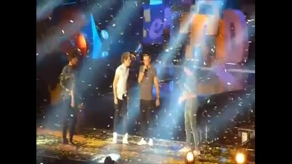 One Direction - Live While We're Young (teen Awards 2012)