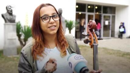 """Ромското момиче Мариана: """"Мечтая да свиря в Германия. И знам, че ще успея."""""""