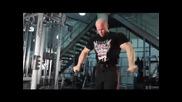 Екипът на Allmax и Бен Пакулски - тренировка гърди