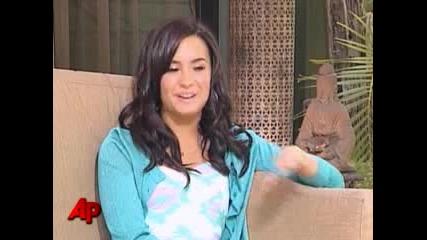 Demi Lovato Chart - Topper