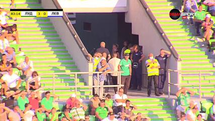 Наско Сираков напусна преждевременно стадиона