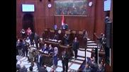 Президентът на Египет подписа конституция, която му дава неограничени правомощия