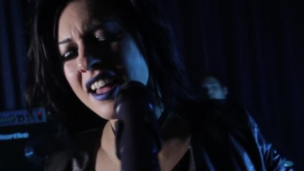 Serenade - Hold me Back Official Video Clip