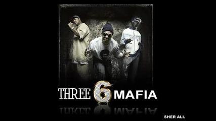 Three 6 Mafia ft. Kalenna - Shake My