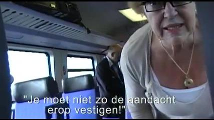 Много щур начин да пътуваш без билет във влак!