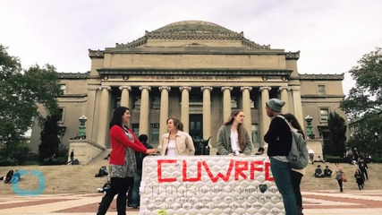 Columbia University Student Carries Mattress On Campus In Protest