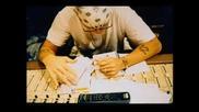 Вманиaчен ли е , че чак е луд от любов ... Eminem - Crazy In Lov3
