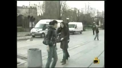 Денислав преби репортерката на Сигнално жълто+коментиране в Music idol 2-Господари на ефира 12.05.2008
