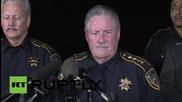 """САЩ: Полицай бе """"екзекутиран"""" докато зареждаше колата си - Шерифът на Харис"""
