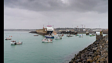 UK: French fishing vessels arrive in Jersey in protest of post-Brexit rules