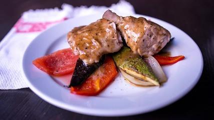 Goodlife: Пиле с летни зеленчуци и сос с естрагон