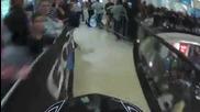 На колело по ескалатора на търговски център