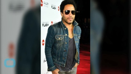 Lenny Kravitz and Lisa Bonet Take a Friendly Stroll!
