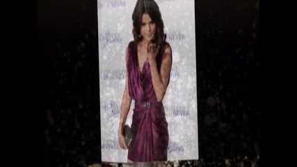 Selena Gomez Blow Kisses... One, Two, Three ~