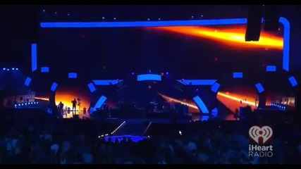 Bon Jovi - Livin' On A Prayer & You Give Love A Bad Name - iheart Radio Festival 2012 (1_3)
