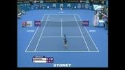 Радванска е на финал в Сидни след победа срещу На Ли