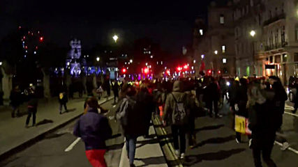 UK: Protesters clash with police at anti-BoJo demo