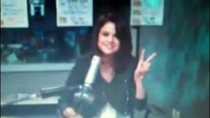selena gomez and demi lovato not friends anymore 1 - 28 - 2010