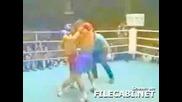 При Боксов Мач И Задника Играе Важна Роля