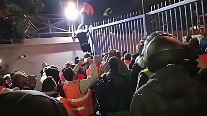 Greece: Piraeus port workers strike following death of colleague