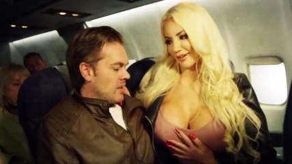 СЕКС в самолета може да те вкара в ''горещ'' клуб!