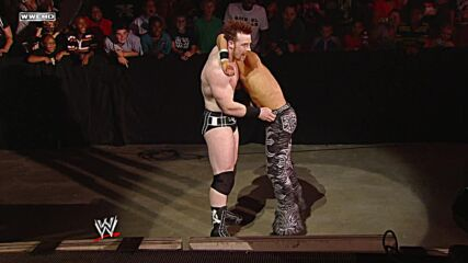John Morrison vs. Sheamus - Falls Count Anywhere Match: Raw, Sept. 13, 2010 (Full Match)