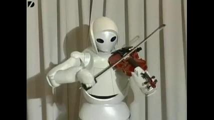Робот създаден от Toyota свири на цигулка