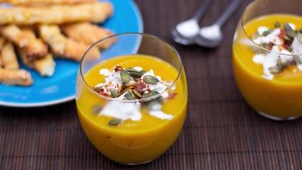 Goodlife: Крем супа с печена тиква и козе сирене