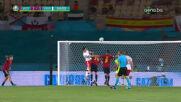 Голът на Левандовски срещу Испания