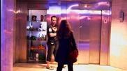 Реми Гаяр прави шегички в асансьора