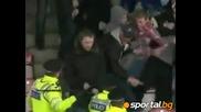 Ръкопашен бой между полиция и фенове на Милуол на полуфинал Play Offs 2010
