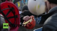 Ukraine: Miner melee! Clashes erupt at protest outside Presidential Administration