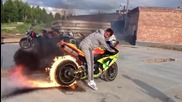 Yamaha Yzf R1 Показва как се пали гума ( Burnout Fire )
