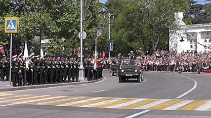 Russia: Thousands commemorate V-Day with military parade in Sevastopol