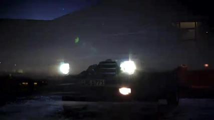 Mercedes G - Klasse im Schnee Mercedes G - Class driving through snow