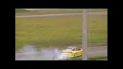 Bmw E30 325 Drift Charkas a.k.a Kenz Vs Todor Dunev @ Driftwars Rd1 Serres 2009