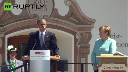 Obama and Merkel Knock Back a Few Beers in Bavaria