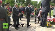 Austria: President Fischer salutes Red Army veterans for Victory Day