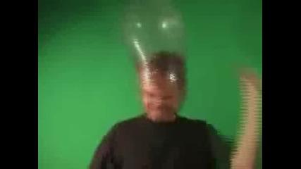 Идиот с презерватив