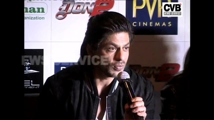 Shahrukh Khan Promotes Don 2 In Chandigarh