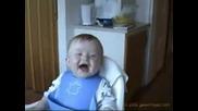 2 Много Смешни Бебета