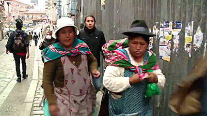Bolivia: Teargas flies as clashes between police and pro-Morales indigenous protesters continue