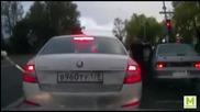 Ето как Руснаците си решават проблема на пътя!