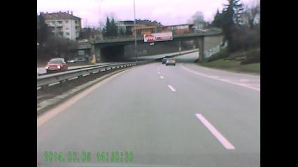 Пазарджиклия кара кола в София