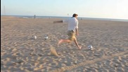 Дейвид Бекъм вкарва 3 топки в кошчетата от 50 метра ^_^