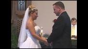 На Младоженеца му падат панталоните по време на сватбената церамония