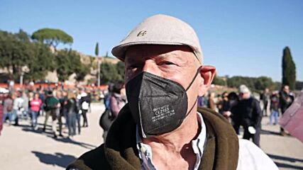 Italy: Hundreds protest against mandatory 'Green pass' in Rome